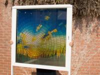 Full colour raamfolie (2), glas-in-lood, modern, zon, gras, lucht, geel, blauw
