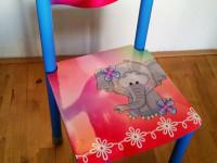 Stoelsticker (B), Stoel met sticker, meubelsticker, muursticker, glans laminaat, stoel stickers