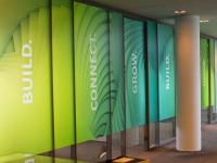 Full colour glasfolie (2), kantoor, huisstijl, kleur