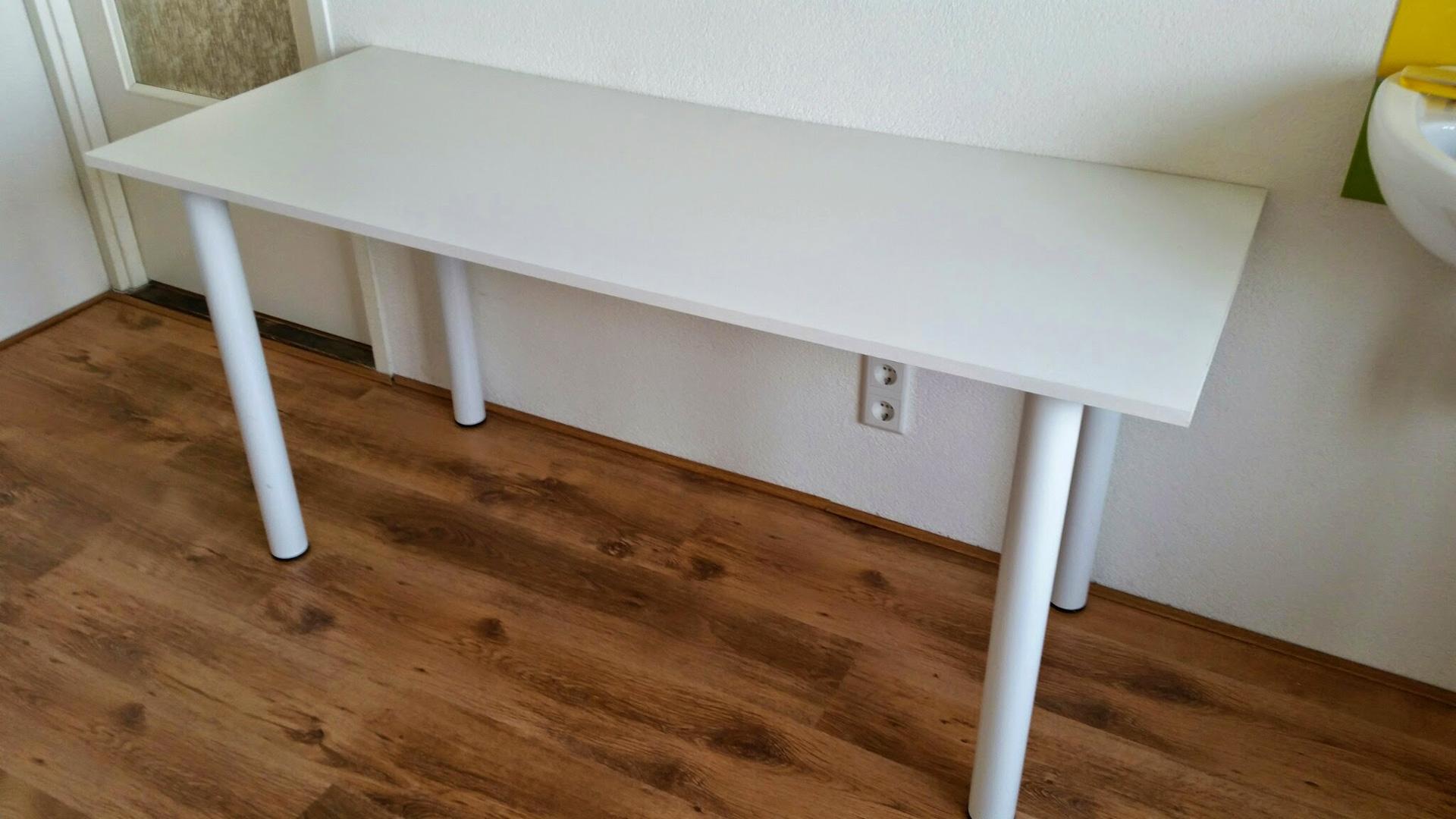 Meubelstickers op tafels stoelen deuren en wanden for Bureau 2 metres